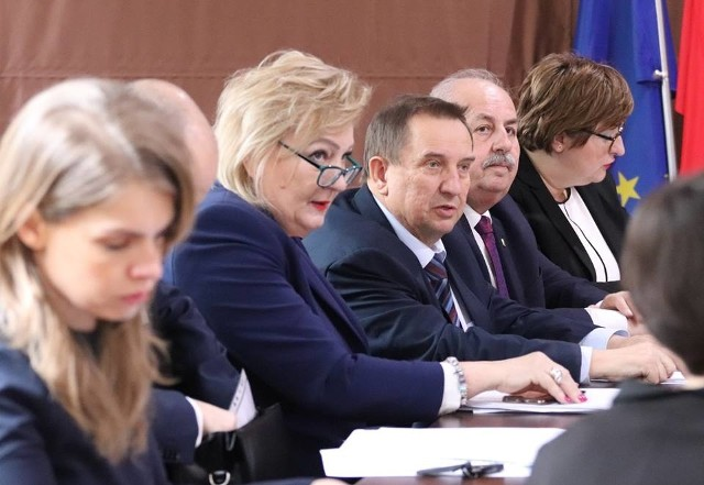 Migawka z dzisiejszej sesji Rady Powiatu w Łojewie