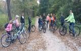 Patriotyczny rajd rowerowy uczniów ze szkoły w Kurozwękach (ZDJĘCIA)