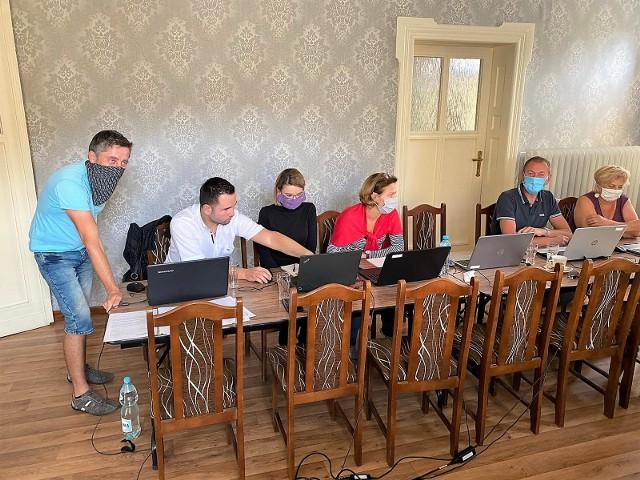 W Prószkowie odbyły się warsztaty z obsługi komputera.