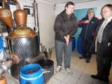 Alkohol domowej roboty wyjdzie z podziemia. Minister chce zalegalizować nawet nalewki