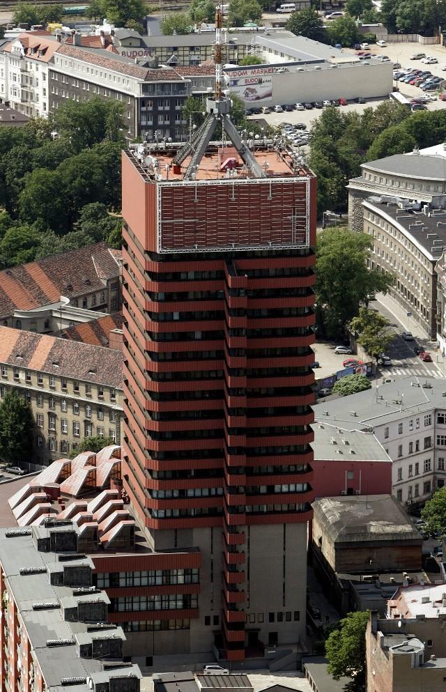 Uniwersytet Ekonomiczny w Poznaniu twierdzi, że taras widokowy w Collegium Altum nie powstanie ze względu na błędne decyzje inwestora.