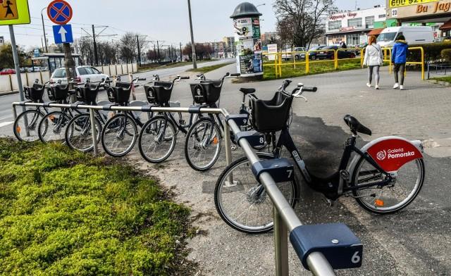 Na zdjęciu stacja Bydgoskiego Roweru Aglomeracyjnego na Kapuściskach. Nowy sezon BRA o rozpocznie się 1 marca 2021
