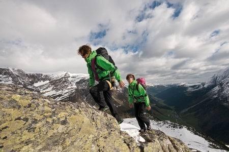 Atrakcją tegorocznych targów będzie gwiazda wspinaczki Alex Luger, profesjonalny wspinacz z Niemiec, specjalista we wspinaczce tradycyjnej.