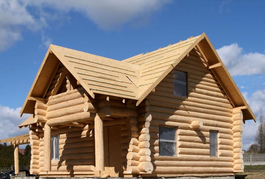 Domy z drewna są niezwykle popularne m.in. w Niemczech i...