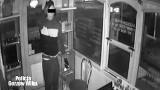 Gorzów: 21-latek włamał się do zabytkowej bimby i ukradł z niej towar. Został zatrzymany po pościgu