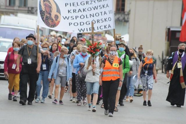 Wytyczne Głównego Inspektora Sanitarnego dla organizatorów ruchu pielgrzymkowego podczas stanu epidemii COVID-19 w Polsce wydane na podstawie art. 8a ust. 5 pkt 2 ustawy z dnia 14 marca 1985 r. o Państwowej Inspekcji Sanitarnej (Dz. U. z 2021 r. poz. 195, z późn. zm.).Podstawowym celem wdrażanych procedur jest:1. Zapewnienie bezpieczeństwa pątników oraz wszystkim osobom postronnym na szlaku pielgrzymki.2. Utrzymanie sprawnej logistyki przemieszczania się pątników z zachowaniem warunków bezpieczeństwa sanitarnego.Czytaj dalej--->
