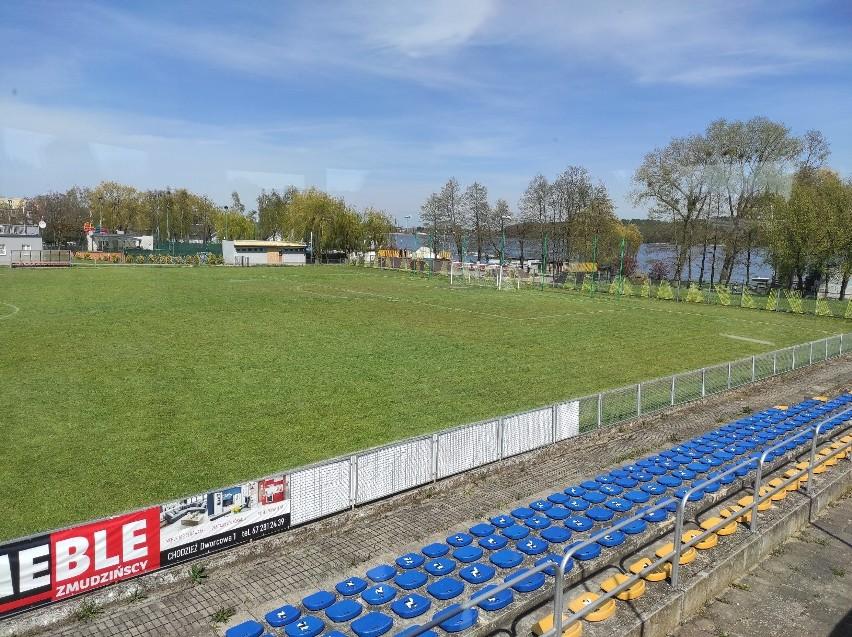 To jeden z najlepiej położonych obiektów piłkarskich w...