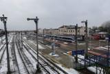 Białystok: Remont dworca PKP. Przejście nad torami będzie rozebrane. Do dworca dojdziemy przejściem podziemnym [ZDJĘCIA]