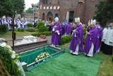 Opole. Pogrzeb ks. Edmunda Podzielnego, byłego proboszcza parafii katedralnej. Odszedł niezwykle solidny i skromny sługa Pański