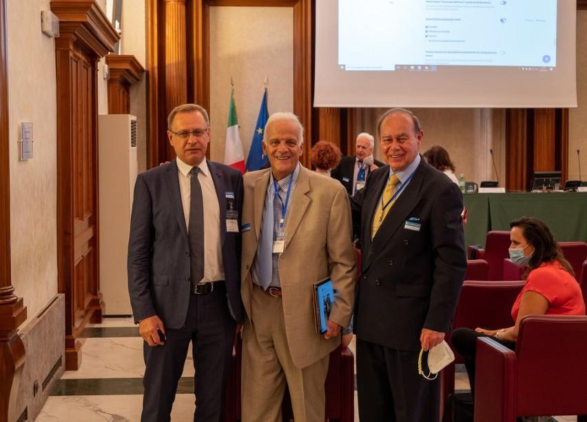 Spotkanie w Senacie Włoch poświęcone sposobom leczenia...