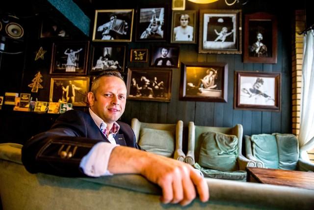 Kawiarnia Lalek w Białymstoku może przestać istnieć. Właściciel Cezary Konopko dostał wypowiedzenie umowy od dyrektora BTL-u