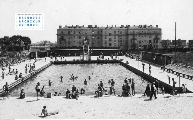 Basen pływacki Łódzkiego Klubu Sportowego w ŁodziRok: 1921