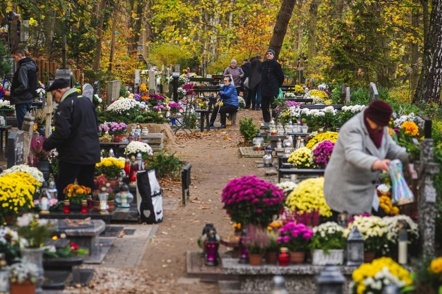 Zmiany godzin otwarcia cmentarzy komunalnych w Krakowie