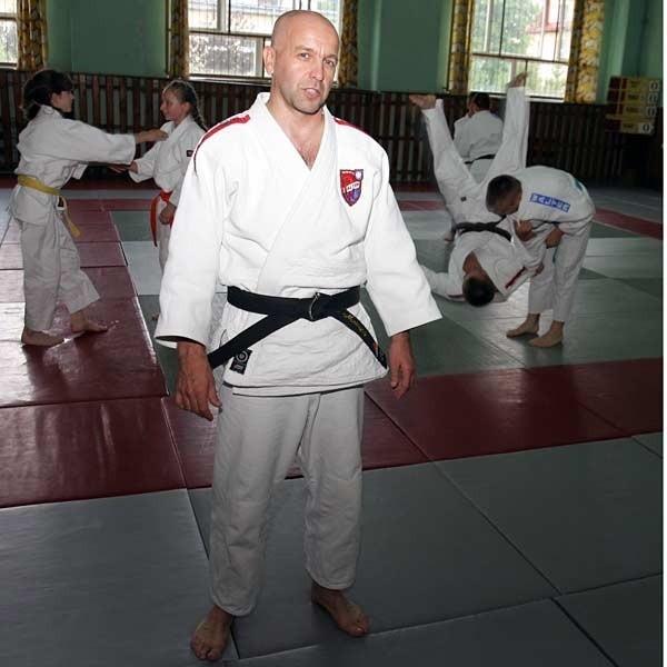 W hali przy ul. Langiewicza regularnie ćwiczyło 350 członków klubu Walter w tym osiągający duże sukcesy judocy, brydżyści i strzelcy sportowi.