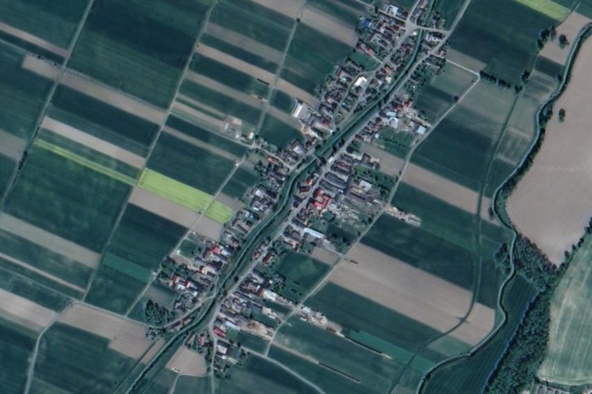 KierpieńOpolskie wsie z lotu ptaka. Czy rozpoznasz je wszystkie? Prześledź naszą galerię zdjęć satelitarnych Google Maps.