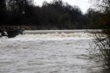 Rzeki w Jaśle niespokojne. Ropa, Wisłoka i Jasiołka z podniesionym stanem wód [ZDJĘCIA]
