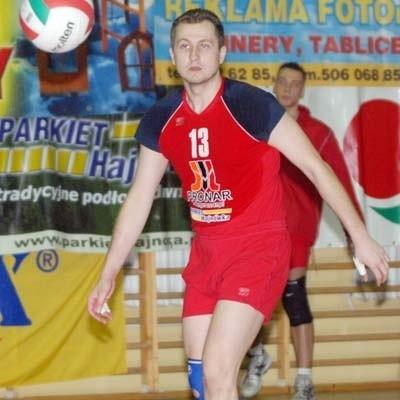 Adam Aleksandrowicz (tu jeszcze w barwach Pronaru Hajnówka) będzie już tylko przyglądał się akcjom swojej drużyny