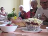 Warsztaty kulinarne seniorów. Sprawdzone przepisy wielkanocne [zdjęcia]