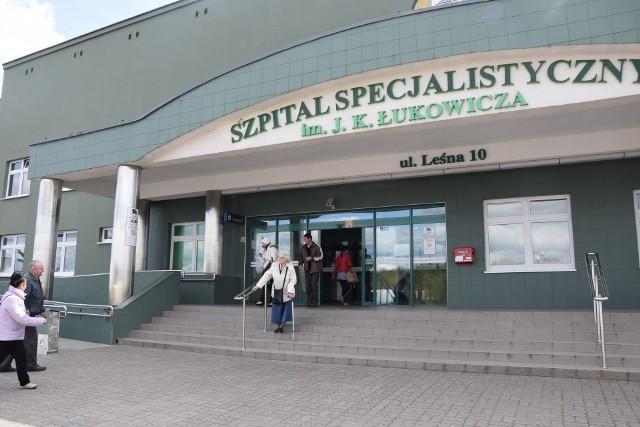 Oddział ortopedyczny szpitala jest oblegany. Pacjenci są więc bardzo zainteresowani, jaka jest tam sytuacja z lekarzami.