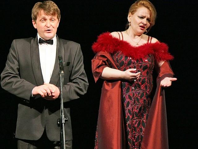 Mirosław Bednarczyk (tenor) i Danuta Dudzińska ( sopran) podczas koncertu w teatrze