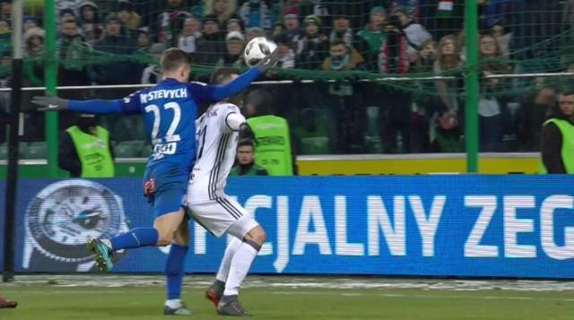 Tak wyglądał moment kiedy Kostewycz dotknął piłkę ręką