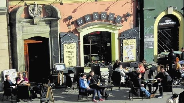 Właściciel kamienicy przy Starym Rynku 41 otrzymał 41 tys. zł na remont elewacji kamienicy