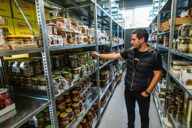 - Jeżeli wszystko pójdzie po naszej myśli, to sklep otworzymy za trzy tygodnie, a pierwsi klienci będą mogli zrobić u nas zakupy już na początku października - mówi Andrzej Pazynich, współzałożyciel spółki Foodex24.