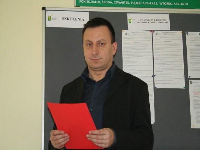 - Na nasz urząd przypadałoby 1,5 miliona złotych do rozdysponowania na dotacje - mówi Sławomir Cieślicki.