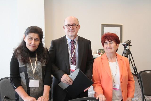 Od stycznia profesor Bogucki (w środku) rozpocznie tworzenie wyspecjalizowanej poradni dla osób z chorobą Parkinsona w szpitalu przy ul. Pomorskiej