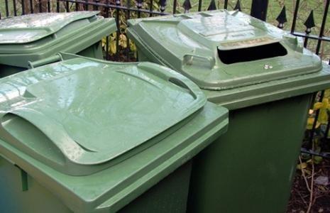 Śmieciowy bałagan w powiecie bytowskim trwa.