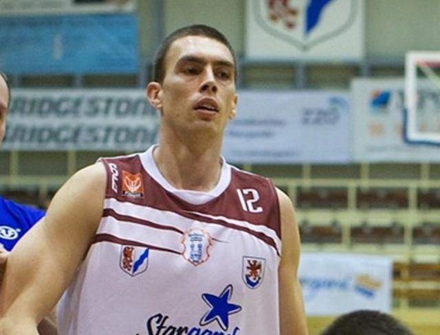 Arkadiusz Soczewski rzucił 8 punktów i miał 10 zbiórek
