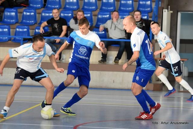 W niedzielę, 20 listopada, w Międzyrzeczu ruszyła kolejna edycja Międzyrzeckiej Ligi Halowej. Do rozgrywek zgłosiło się 16 zespołów, dlatego organizator podzielił drużyny na dwie grupy. Pierwszy mecz rozegrali gracze AnnSportu oraz Thyssen Krupp. Wniedzielę 27 listopada odbędzie się druga kolejka spotkań.