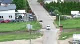 Przejazdy kolejowe w Podlaskiem. Kierowcy na bakier z przepisami. Niepokojące efekty policyjnych kontroli (zdjęcia, wideo)