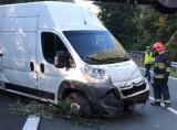 Wypadek na DK 86 w Sarnowie. Kierowcy stanęli w potężnym korku na jezdni w kierunku Częstochowy