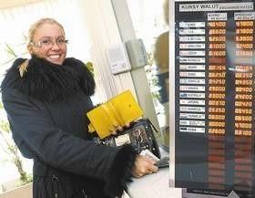 - Sprzedam tysiąc euro i opłacę sobie wczasy. Tanio - mówi Karolina Kramer.(fot. Sławomir Mielnik)