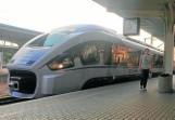 Nowoczesne pociągi dart jeżdżą przez Kędzierzyn-Koźle