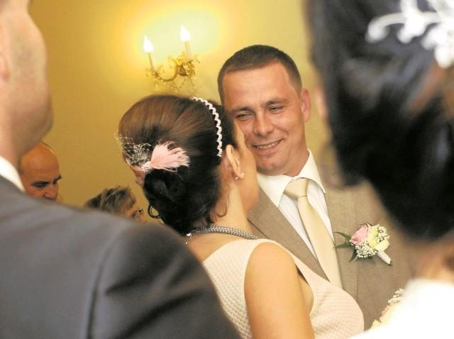 Ślub może stać się też początkiem wspólnego oszczędzania nowożeńców choćby na mieszkanie.