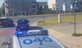 Wypadek rowerzysty w centrum Łodzi. Mężczyzna odwieziony do szpitala [zdjęcia, FILM]