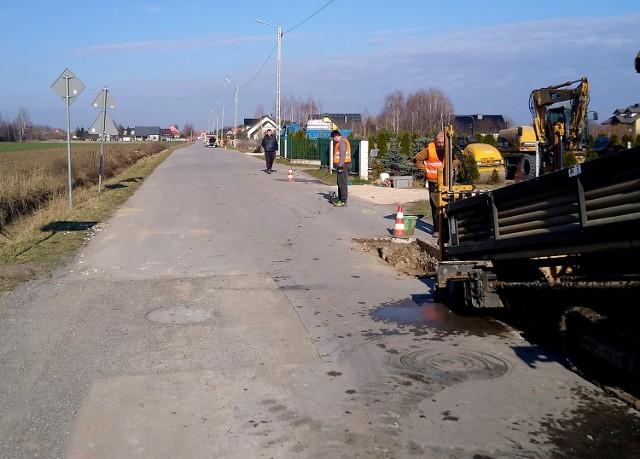 Ruszyła budowa kanalizacji sanitarnej na trasie Wsola-Wielogóra.