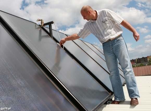 Lepiej niż w Bytowie ma być w Miastku. Oferty złożyło siedem firm z cenami od 2,5 do 4,5 miliona złotych. Solary mają tam zostać zainstalowane na 279 budynkach.
