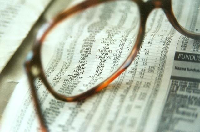 Nie ma szczegółowych przepisów normujących częstotliwość refundacji kosztów okularów korekcyjnych.