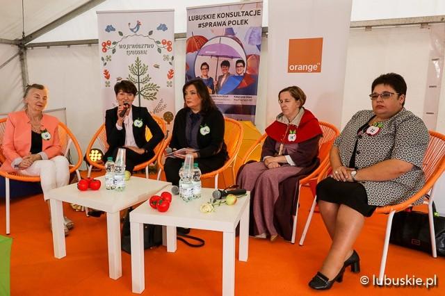 Debata o prawach kobiet w Miasteczku Kobiet w Kożuchowie w sobotę, 15 września