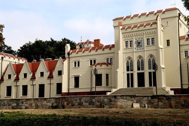 Odnowioną elewację pałacu Radolińskich już można podziwiać od 2018 roku. We wnętrzach wciąż trwają prace przystosowujące obiekt do nowych zadań