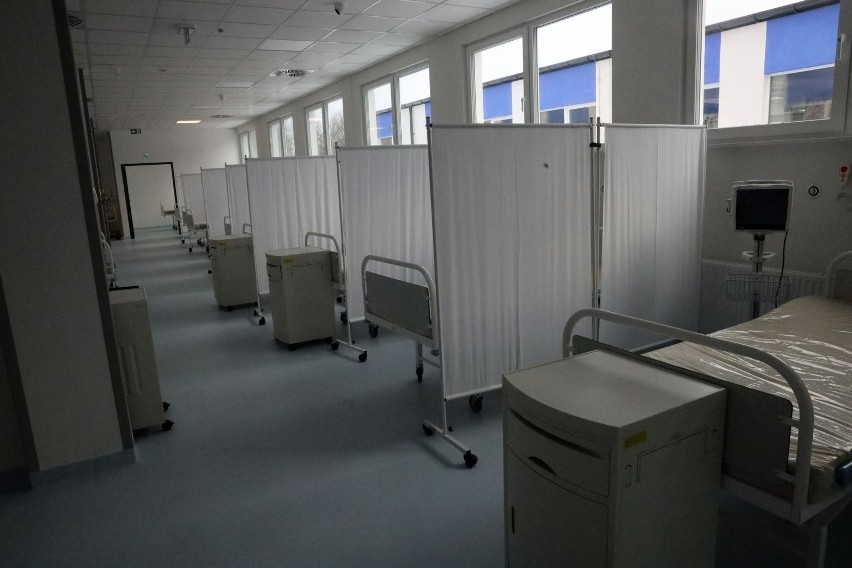 - Hospitalizowanych jest ponad 1,6 tys chorych na COVID- 19...