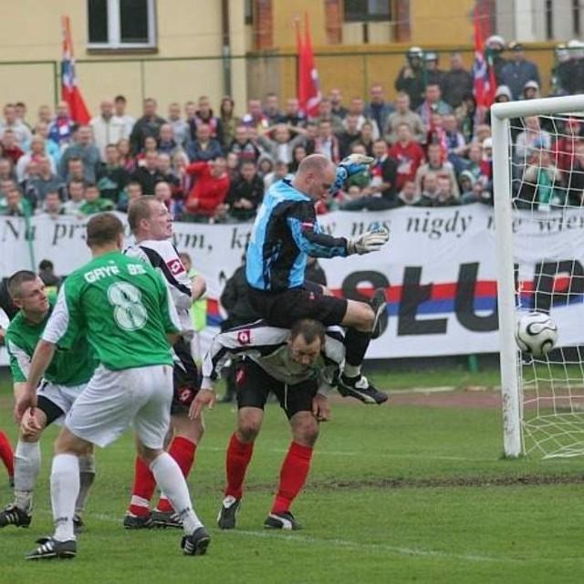 Tak było w meczu obu drużyn w Bytowie jesienią 2007 roku.
