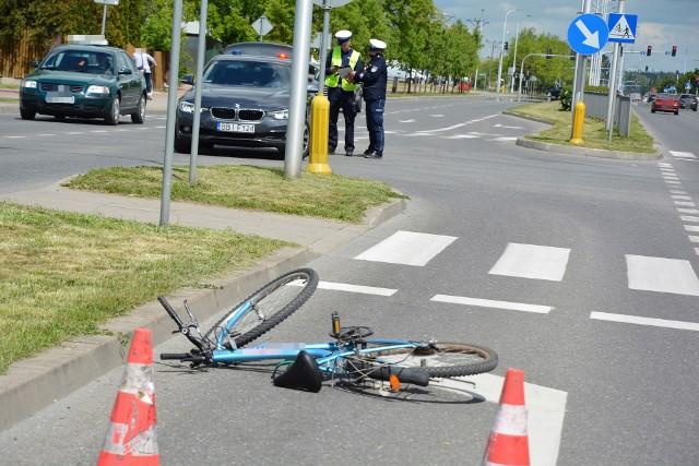 Suwałki. Potrącenie na ulicy Reja. Rowerzysta trafił do szpitala