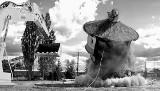 Słupsk. Wiekowa wieża ciśnień przy ul. Krzywoustego została zburzona (zdjęcia)