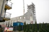 Kraków. Na Azorach budują wielki kościół tuż obok bloku. Tutaj będzie można uczestniczyć w mszy bez wychodzenia z domu [ZDJĘCIA] 17.03.2021