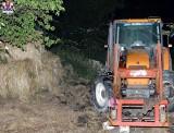 Nieszczęśliwy wypadek przy pracach polowych. Maszyna rolnicza przygniotła mężczyznę