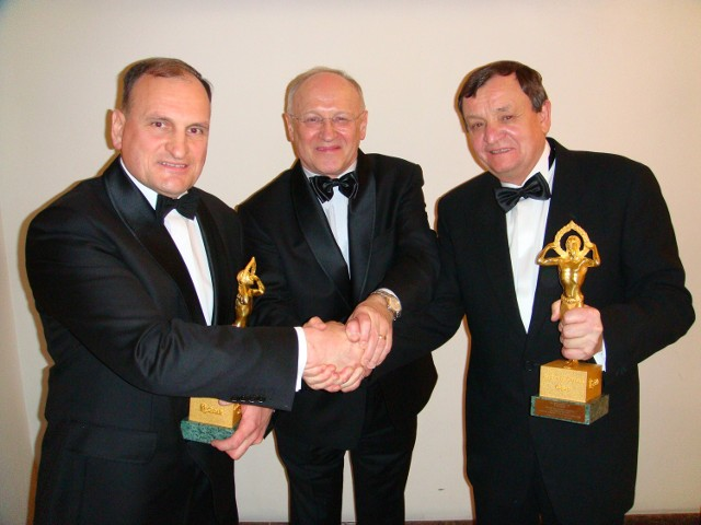 Od lewej: Andrzej Niezgoda, prezes Ferooksu, Krzysztof Żukowski, kanclerz bbiałostockiej Loży BCC, Henryk Owsiejew, prezes Malo